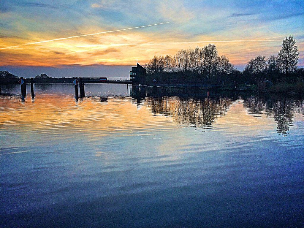 Dove Elbe, vom Wasser aus ein Traum
