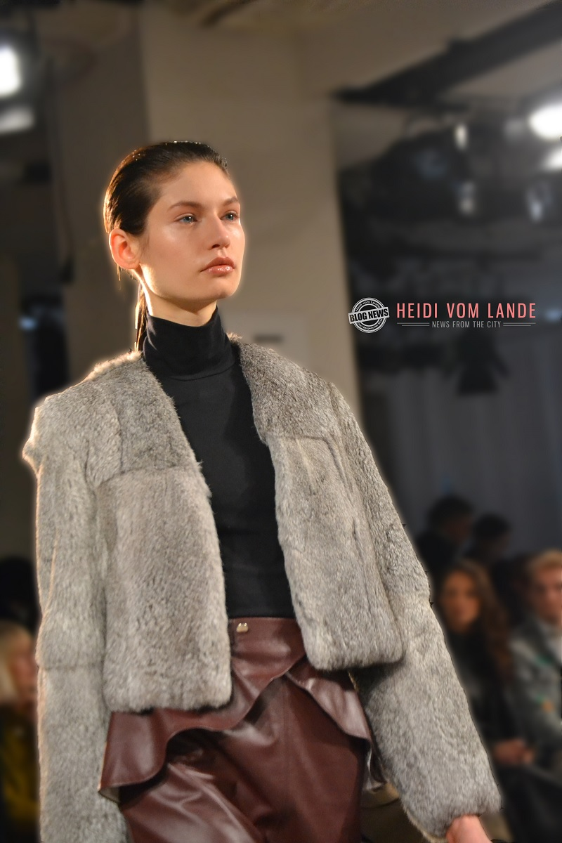 Bergedorf, Berlin Fashion week, Bergedorf Blog, Heidi vom Lande, Roter Teppich, Mercedes Benz Fashion Week, Videos, Fotos, Mode, Glamour, Stars, Promis, Show, Mode, Brandenburger Tor, Berlin, Fashion, Highlights, Style-Check, Leonie Mergen, Berlin Fashion Week 2017, Januar, Show, Kaufhaus Jandorf