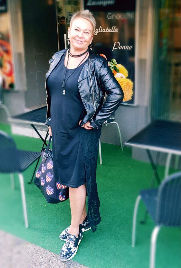 Bergedorf, Berlin Fashion week, Bergedorf Blog, Heidi vom Lande, Roter Teppich, Mercedes Benz Fashion Week, Videos, Fotos, Mode, Glamour, Stars, Promis, Show, Mode, Brandenburger Tor, Berlin, Fashion, Highlights, Style-Check, Leonie Mergen, Berlin Fashion Week 2017, Januar, Show, Kaufhaus Jandorf, Fashion Hall Berlin, Nodesha Fashion, Clara Kaesdorf