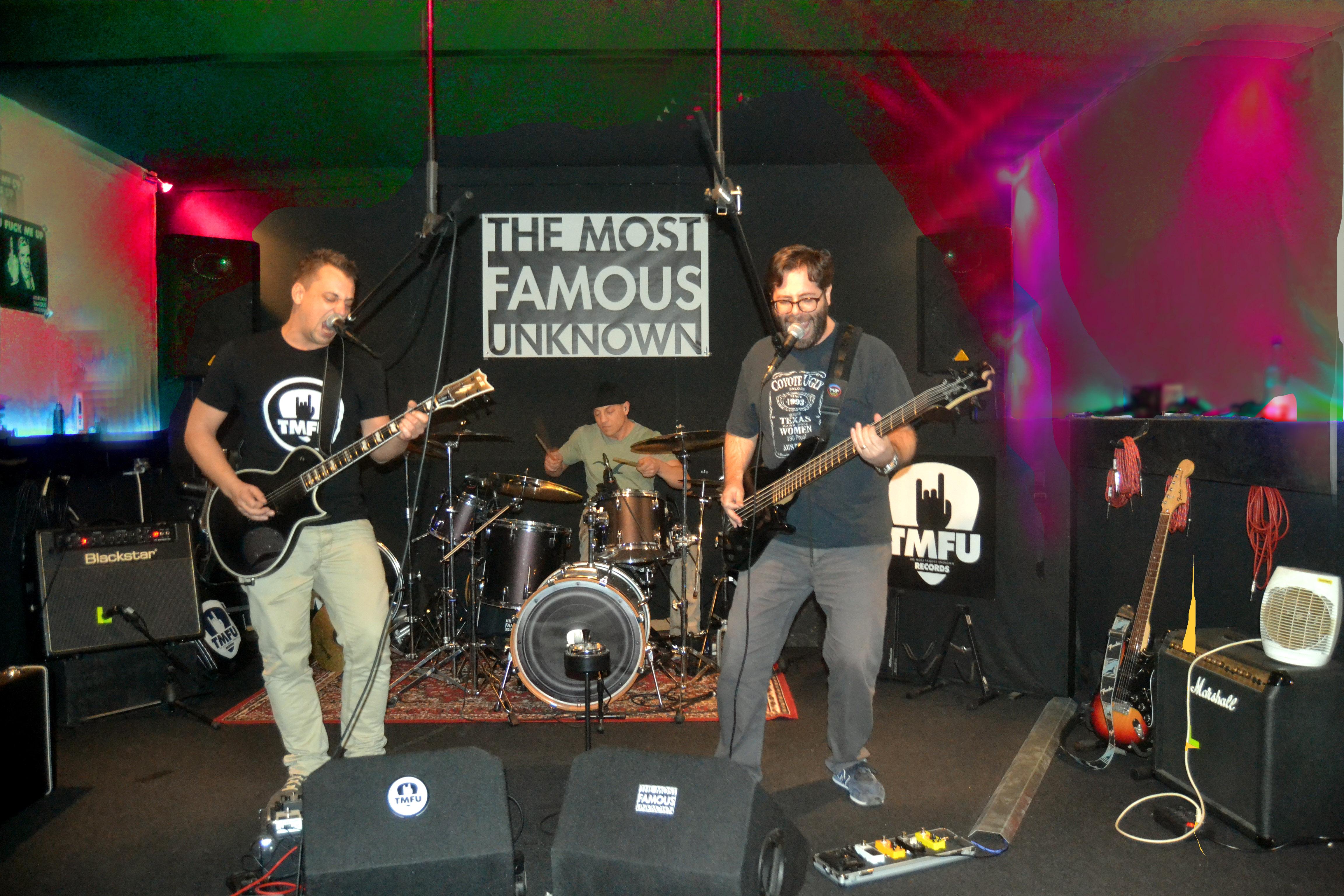 TMFU, The Most Famous Unknown, Band, Hamburg, Auftritt, Prinzenbar, Indie-Rock, Grunge, Punk, Ska, SkaPunk Band Shrooms, Bergedorf, Prinzenbar, Release, Gig, Musik, Musiker, Bergedorf Blog