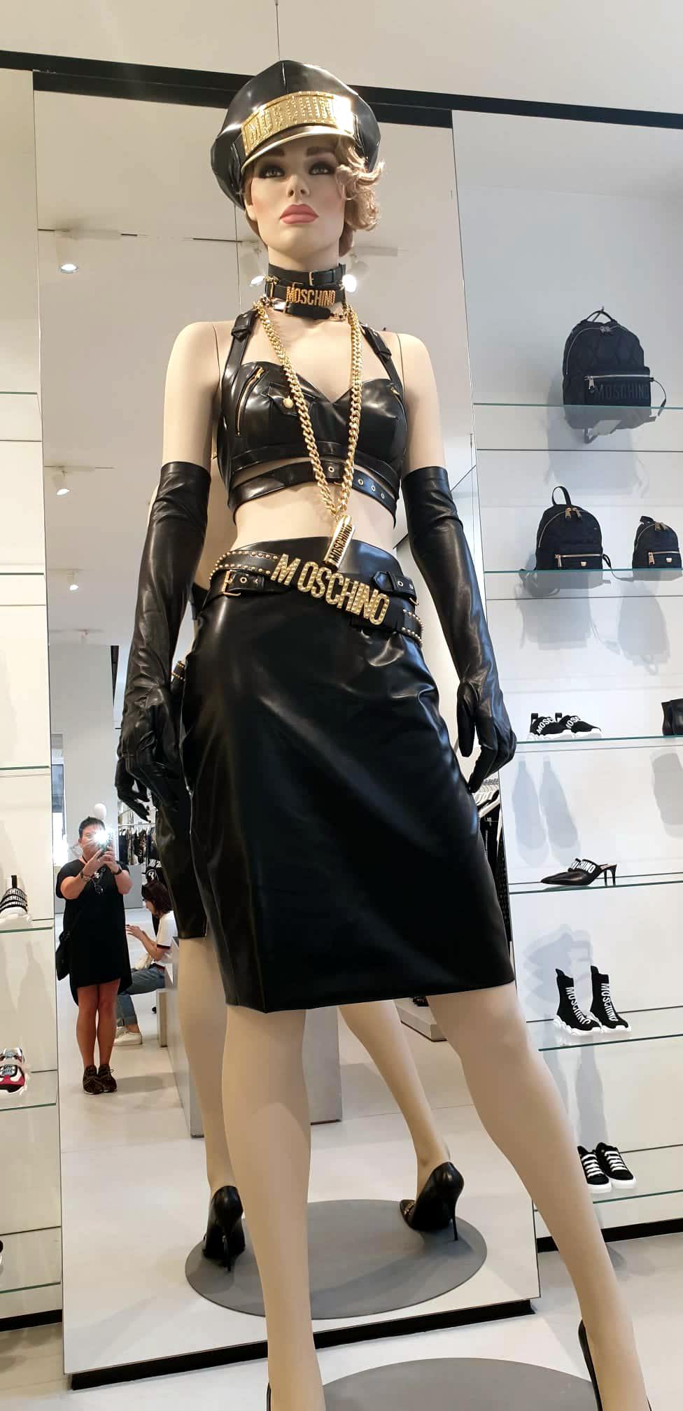 Fashion Week, Modemetropole, Mailand, Milano, Fashion, Trends, Looks, Designer, Fashion Vibes, Laufsteg, Runway Show, Heidi vom Lande, Fashionblogger, Love Moschino