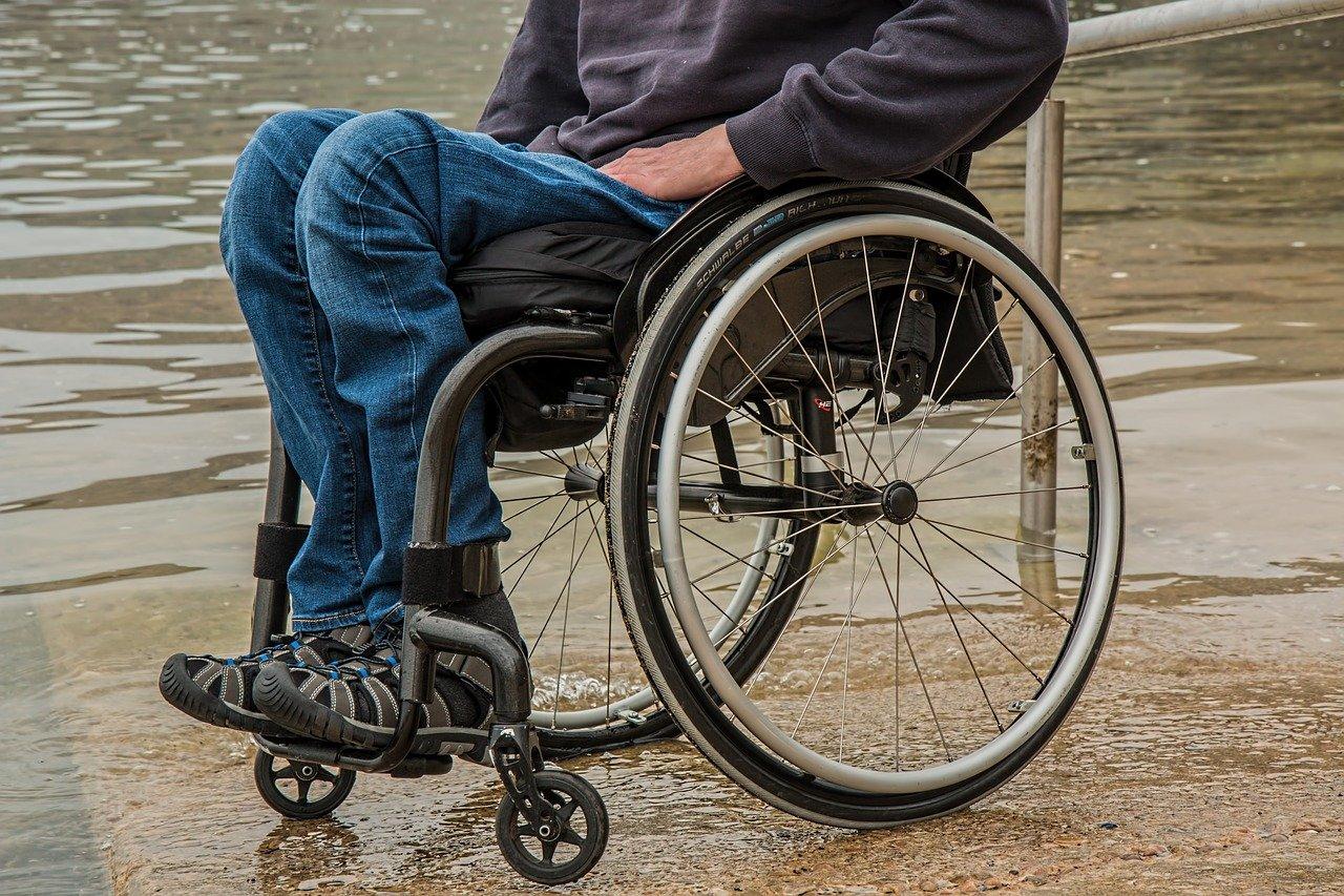 Rollstuhl, Rollstuhlfahrer, geführte Touren, Haus im Park, Inklusion, Bergedorf, Hamburg, rollender Stadtführer, Michael Ecker, Bergedorfer Blog, News, Veranstaltung